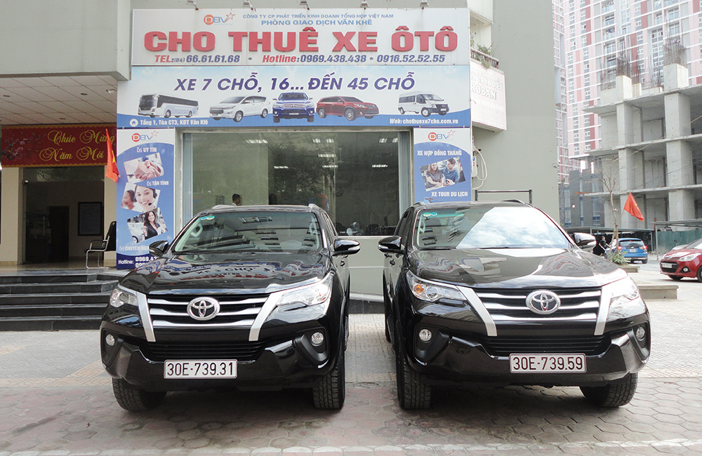 cho-thue-xe-7-cho-co-lai-tai-ha-noi-1000-650-4-dbv