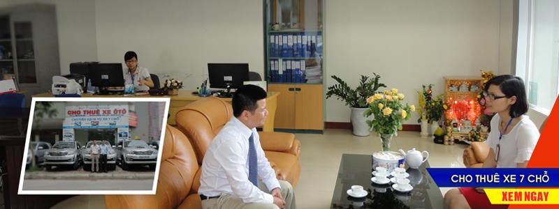 Cho thuê xe tháng 7 chỗ có lái uy tín, giá rẻ tại Long Biên