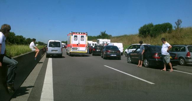 Cần làm những gì khi gặp một vụ tai nạn giao thông?