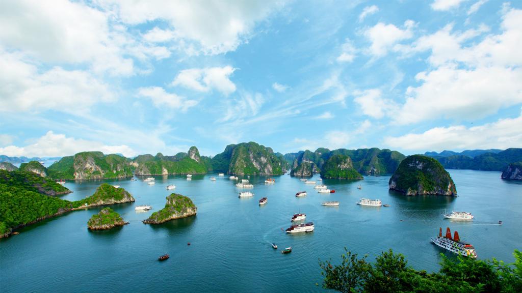 Cho thuê xe 7 chỗ từ Hà Nội đến Cát Bà giá ưu đãi nhất