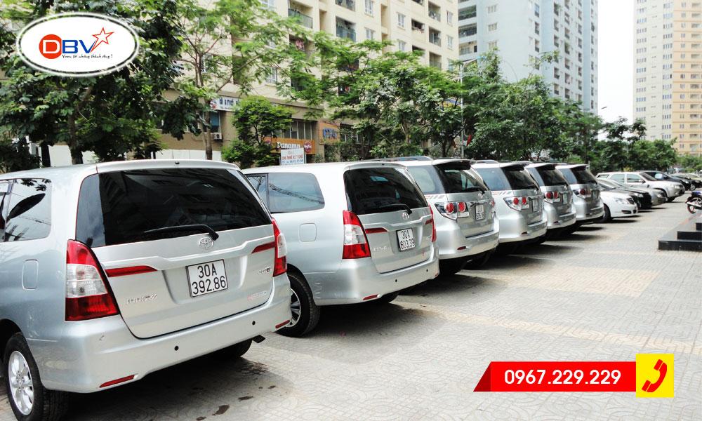 Thuê xe 7 chỗ cho công ty